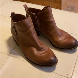 Women's Lucky boots size 8.5